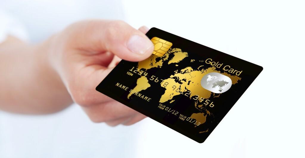 Customer handing over credit card