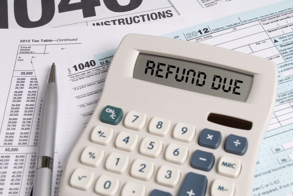Taxes - 1040 forms and Refund Due on Calculator